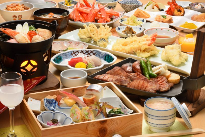 天婦羅與生魚片、螃蟹等料理