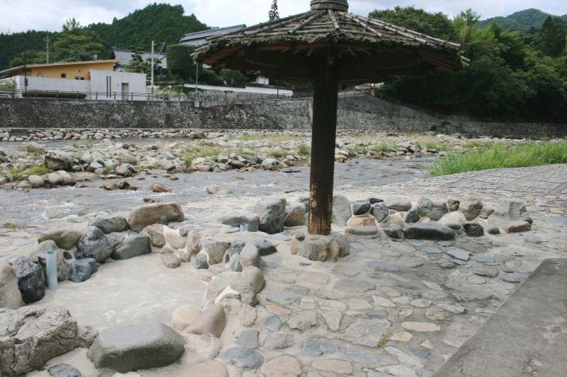 奥津溫泉的足湯