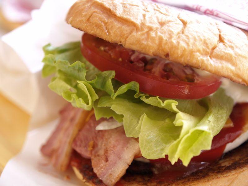 大口吃漢堡!長崎在地特色美食「佐世保漢堡」人氣店推薦介紹!