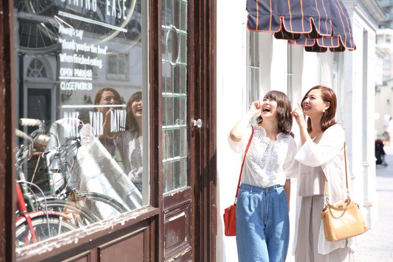 購物的女性