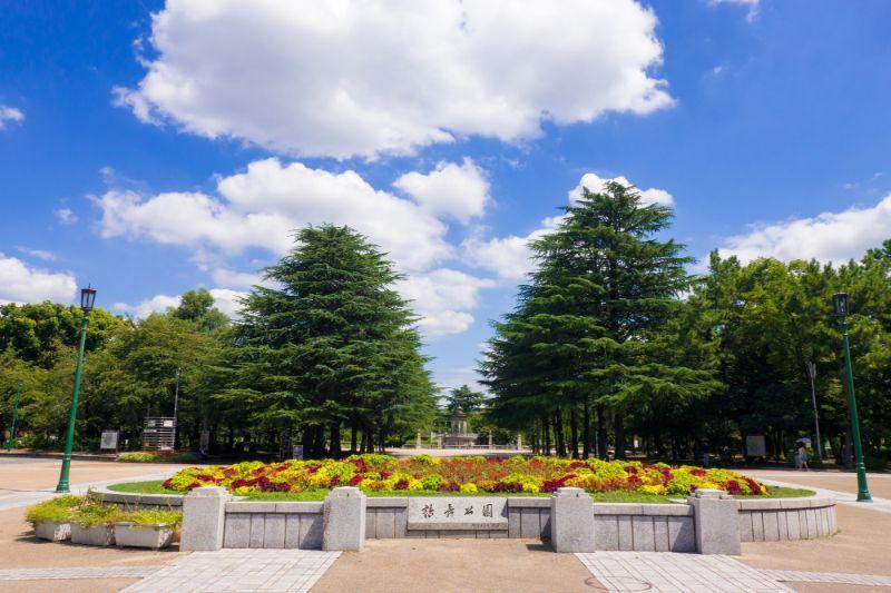 鶴舞公園入口
