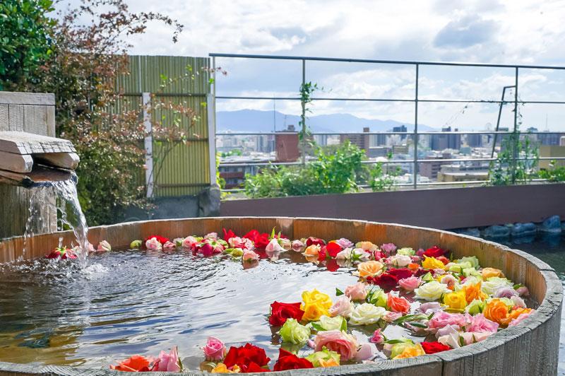 茶玻瑠女性浴場——玫瑰溫泉