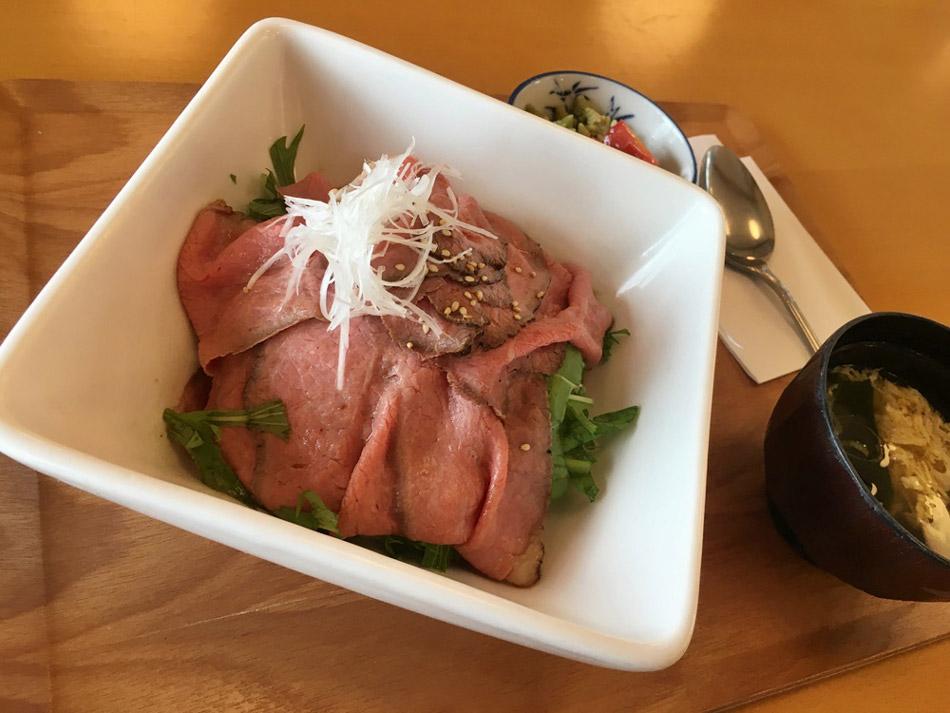 士幌休息站的烤牛肉定食