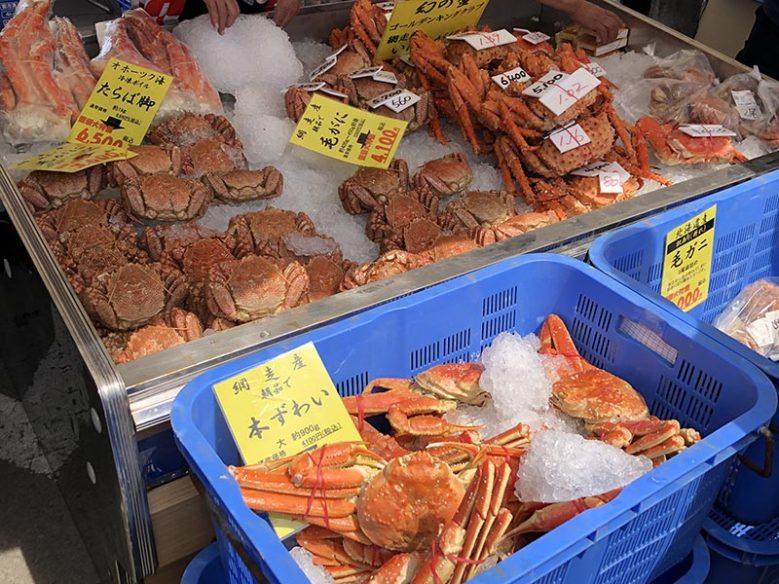 春カニ合戦in網走活動現場販售的肥美螃蟹