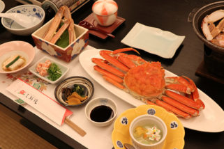 三朝館的螃蟹晚餐