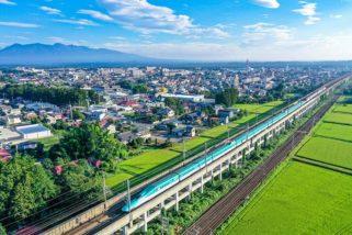 駛過那須的東北新幹線