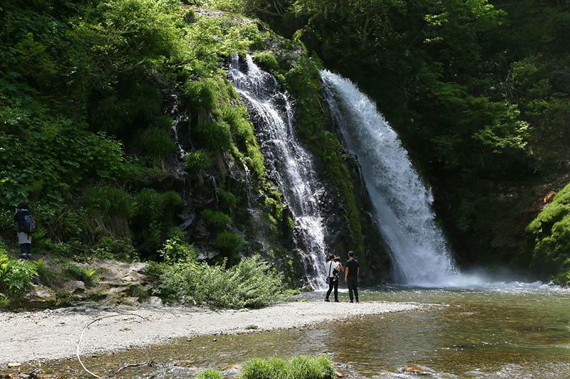 銀山溫泉周邊白銀瀑布