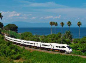 白色的「海鷗」列車