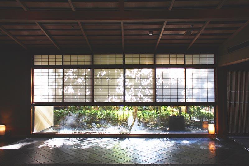 東京近郊泡湯去!湯河原幽靜山林中的日式溫泉飯店「山翠樓」