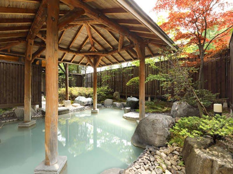 旅亭花遊樂溫泉浴池